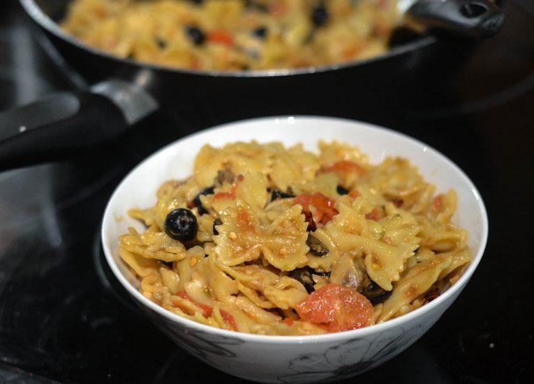 Super Spicy Pasta, Chillies Garlic, Olives. Vegetarian Challenge. Eating Vegetarian Food for a Week